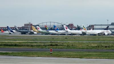 LFBO - Airport - Ramp