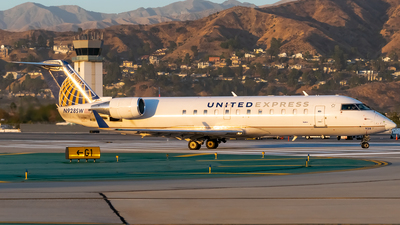 A picture of N928SW - Mitsubishi CRJ200ER - United Airlines - © Ricky Teteris