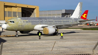 EC-HGZ - Airbus A320-214 - Vueling Airlines