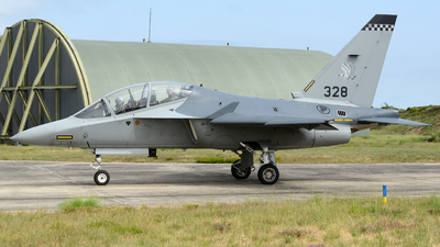 328 - Alenia Aermacchi M-346 Master - Singapore - Air Force