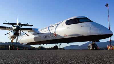 A picture of CGGAH - De Havilland Canada Dash 8400 - Air Canada - © CJMAviation
