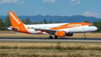 G-EZWA - Airbus A320-214 - easyJet