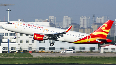 B-1039 - Airbus A320-214 - Air Guilin