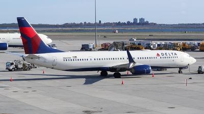 A picture of N887DN - Boeing 737932(ER) - Delta Air Lines - © Frank-Li