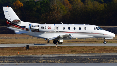 A picture of N691QS - Cessna 560XL Citation Excel - NetJets - © Agustin Anaya
