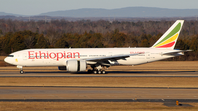 A picture of ETANQ - Boeing 777260(LR) - Ethiopian Airlines - © wangruoyao