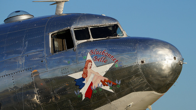 N47HL - Douglas DC-3 - Private