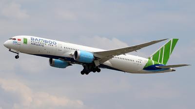 A picture of VNA818 - Boeing 7879 Dreamliner - Bamboo Airways - © Alberto Cucini