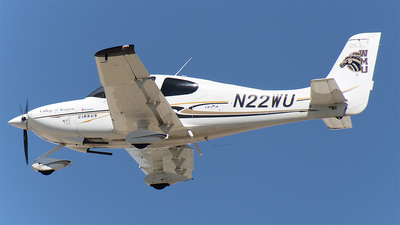 A picture of N22WU - Cirrus SR20 - [1647] - © Brady Noble