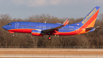 A picture of N706SW - Boeing 7377H4 - Southwest Airlines - © Saul Hannibal