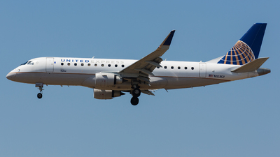 A picture of N103SY - Embraer E175LR - United Airlines - © Thomas Ernst
