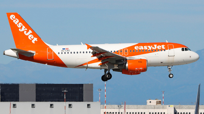 A picture of OELKC - Airbus A319111 - easyJet - © Gian Pietro Bardizza