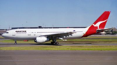 VH-TAC - Airbus A300B4-203 - Qantas