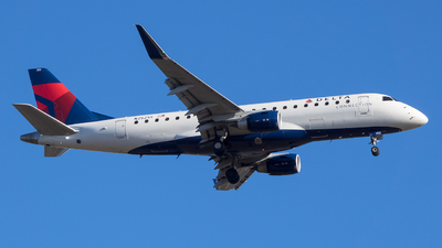 A picture of N252SY - Embraer E175LR - Delta Air Lines - © Stephen J Stein