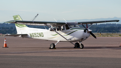N652ND - Cessna 172S Skyhawk SP - University Of North Dakota