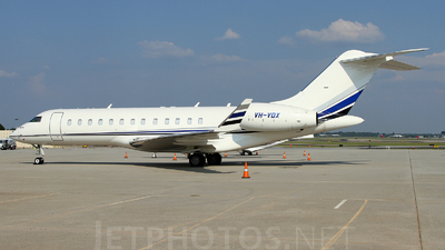 VH-VDX - Bombardier BD-700-1A10 Global Express - AvWest