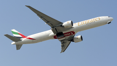 A6-EBX - Boeing 777-31HER - Emirates