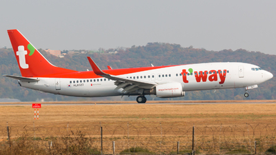HL8327 - Boeing 737-8KN - T'Way Air