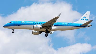 A picture of PHEZN - Embraer E190STD - KLM - © Debregabor