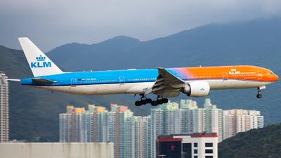 A picture of PHBVA - Boeing 777306(ER) - KLM - © Alvin.L
