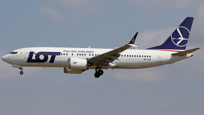 A picture of SPLVB - Boeing 737 MAX 8 - LOT - © Jorge Medina Mediavilla