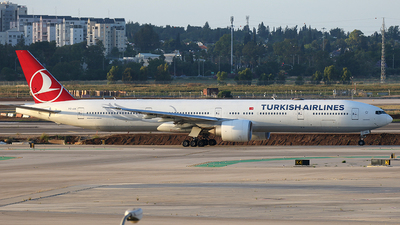A picture of TCJJL - Boeing 7773F2(ER) - Turkish Airlines - © Siegi N.