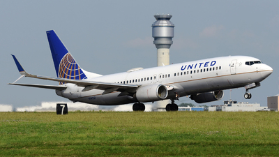 A picture of N14231 - Boeing 737824 - United Airlines - © DJ Reed - OPShots Photo Team