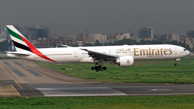 A6-EGP - Boeing 777-31HER - Emirates