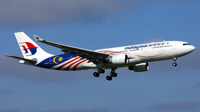 A picture of 9MMTY - Airbus A330223 - Malaysia Airlines - © R. Eikelenboom