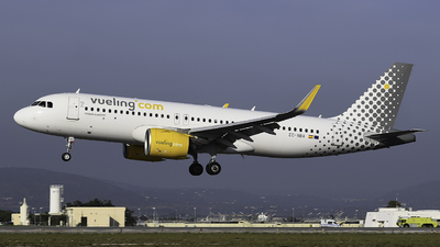 A picture of ECNBA - Airbus A320271N - Vueling - © Stasha Silvestre