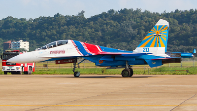 20 - Sukhoi Su-27UB Flanker C - Russia - Air Force