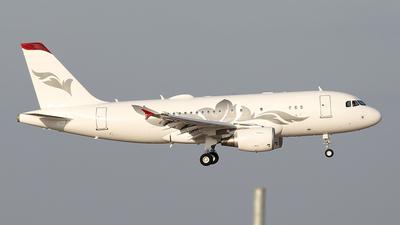 M-YULI - Airbus A319-115(CJ) - Private