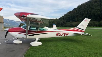 A picture of N27VP - Cessna 182R Skylane - [18264851] - © Alfred W. Moeckli
