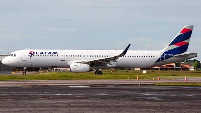 A picture of PTMXN - Airbus A321231 - LATAM Airlines - © Reinaldo Matheus