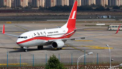 B-5801 - Boeing 737-76D - Shanghai Airlines