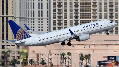 N12225 - Boeing 737-824 - United Airlines