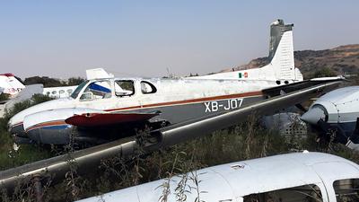 XB-JOZ - Beechcraft B50 Twin Bonanza - Private