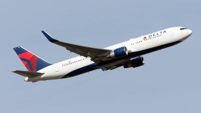 A picture of N171DN - Boeing 767332(ER) - Delta Air Lines - © Sebastian Thiel