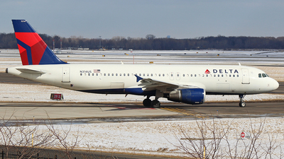 A picture of N314US - Airbus A320211 - [0160] - © GregMac
