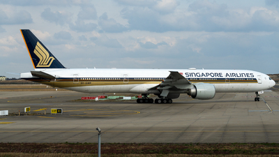 A picture of 9VSWP - Boeing 777312(ER) - Singapore Airlines - © miCHAel TAN