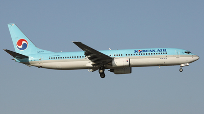 A picture of HL7707 - Boeing 7379B5 - Korean Air - © REDSOX