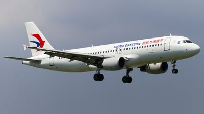 B-6008 - Airbus A320-214 - China Eastern Airlines