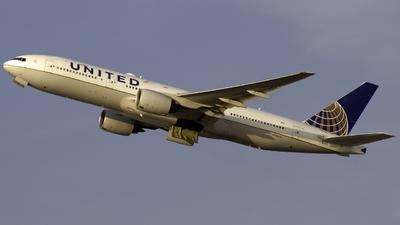 N786UA - Boeing 777-222(ER) - United Airlines
