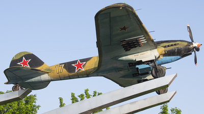 17 - Ilyushin Il-2m3 - Soviet Union - Air Force