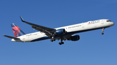 A picture of N595NW - Boeing 757351 - Delta Air Lines - © Jake Oester
