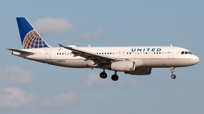A picture of N458UA - Airbus A320232 - United Airlines - © Hector Rivera - Puerto Rico Spotter