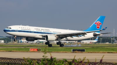 A picture of B6542 - Airbus A330223 - China Southern Airlines - © Lywings