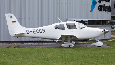 D-ECCR - Cirrus SR20 - Private