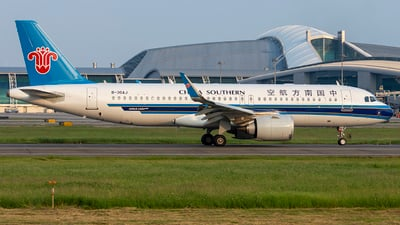 B-30AJ - Airbus A320-251N - China Southern Airlines