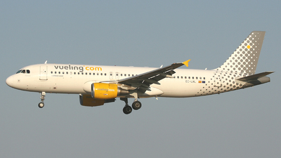 EC-LML - Airbus A320-214 - Vueling Airlines